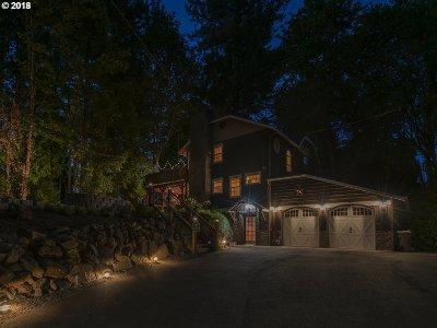 Lake Oswego Single Family Home For Sale: 727 Laurel St