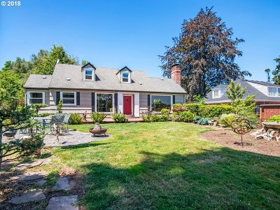 West Linn Single Family Home For Sale: 5493 River St