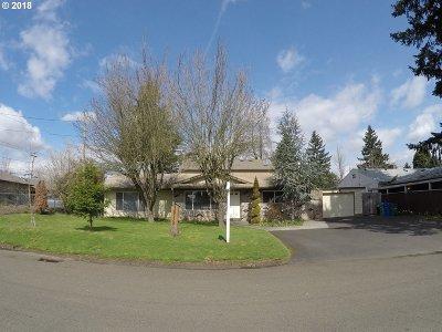 Single Family Home For Sale: 18119 NE Everett Ct