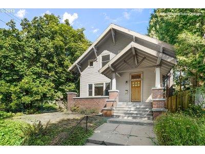 Single Family Home For Sale: 3007 NE Flanders St