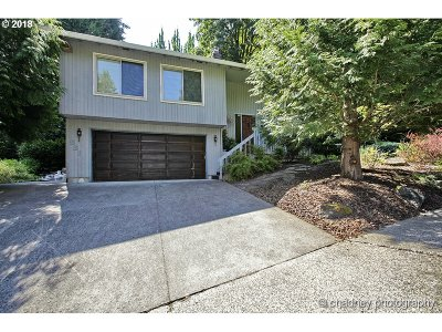 Single Family Home For Sale: 836 SE 27th St