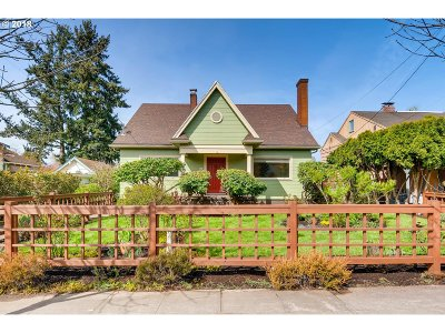 Portland Single Family Home For Sale: 235 SE 47th Ave