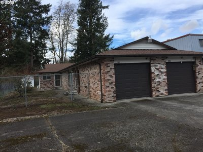 Portland Multi Family Home For Sale: 625 SE 160th Ave
