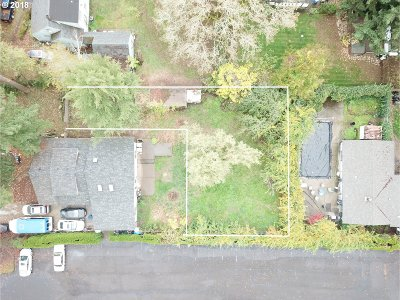 Milwaukie Residential Lots & Land For Sale: 14107 SE Lee Ave