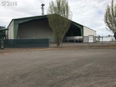 Molalla, Mulino Commercial Pending: 410 Industrial Way