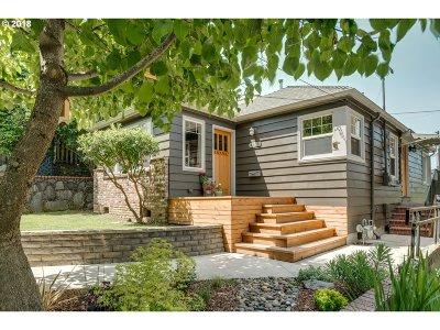 Single Family Home For Sale: 4411 N Albina Ave