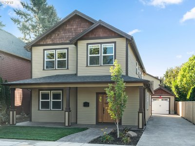 Portland Single Family Home For Sale: 1122 SE Sherrett St