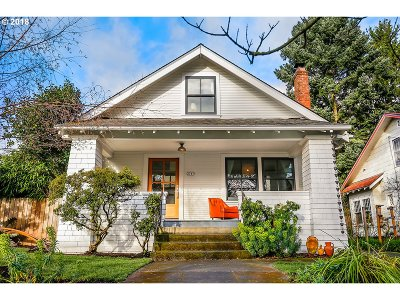 Portland Single Family Home For Sale: 2747 SE 37th Ave