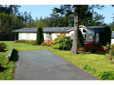 Gold Beach Single Family Home For Sale: 32290 Old Coast Rd