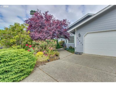 Idylewood Single Family Home Pending: 87825 Limpit Ln