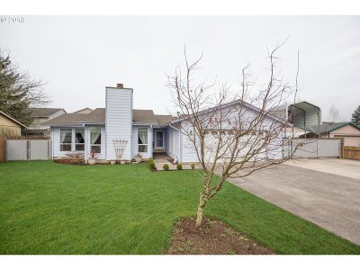 Milwaukie, Clackamas, Happy Valley Single Family Home For Sale: 14619 SE Anna Marie Ct