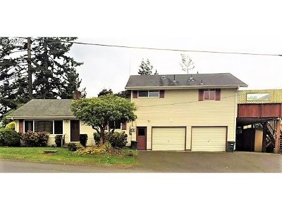 Coos Bay Multi Family Home For Sale: 288 D St