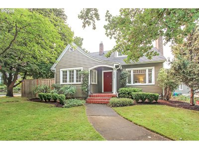 Portland Single Family Home For Sale: 3632 SE Henry St