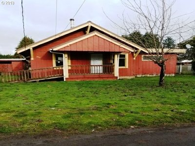 Clackamas County, Columbia County, Jefferson County, Linn County, Marion County, Multnomah County, Polk County, Washington County, Yamhill County Single Family Home For Sale: 554 SW Pioneer Dr
