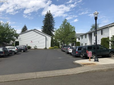 Washougal Multi Family Home For Sale: 647 29th St
