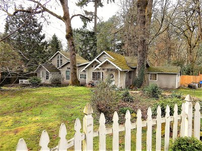 Milwaukie, Clackamas, Happy Valley Single Family Home For Sale: 15115 SE East Ave