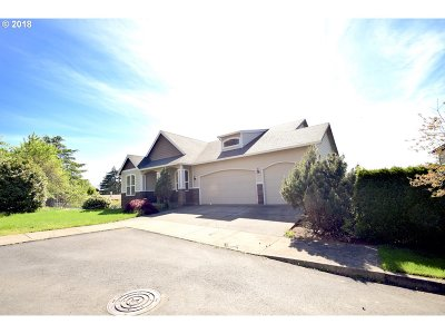 Happy Valley Single Family Home For Sale: 8655 SE Clearwater Ct
