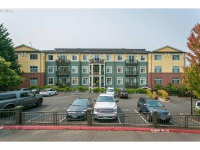 Condo/Townhouse For Sale: 196 SE Spokane St #405