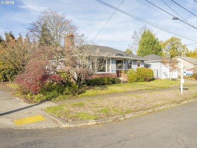 Multnomah County Single Family Home For Sale: 4405 NE 49th Ave