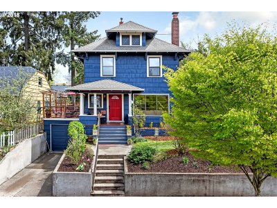 Portland Single Family Home For Sale: 2434 NE 60th Ave