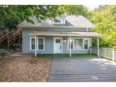 Portland Single Family Home For Sale: 3944 SW Condor Ave