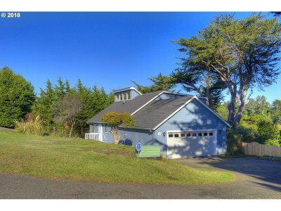 Bandon Single Family Home For Sale: 397 Delaware Ave SE