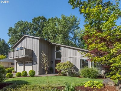 Single Family Home For Sale: 16780 NW Somerset Dr