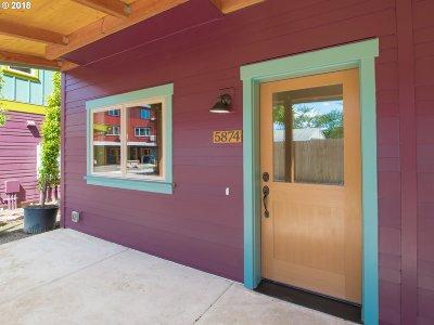Portland Single Family Home For Sale: 5874 NE Mason St #10