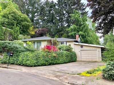 Lake Oswego Single Family Home For Sale: 16880 Cortez Ct