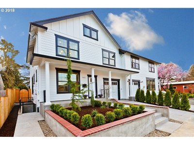 Condo/Townhouse For Sale: 5410 SE Woodward St