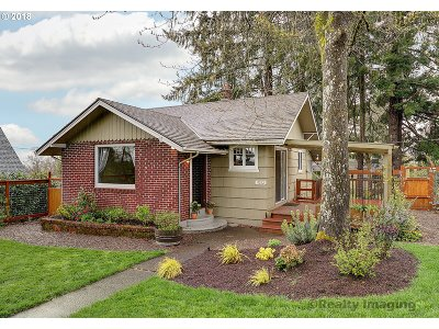 Portland Single Family Home For Sale: 9282 SW 1st Ave