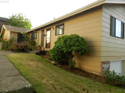Gresham Condo/Townhouse For Sale: 1365 NW Riverview Ave