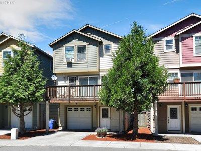 Portland Condo/Townhouse For Sale: 2743 SE 98th Ave #8