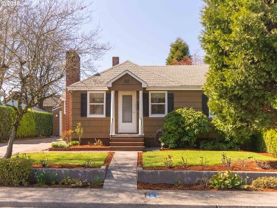 Milwaukie, Clackamas, Happy Valley Single Family Home For Sale: 8615 SE 31st Ave