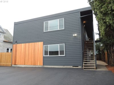 Clackamas County, Multnomah County, Washington County Multi Family Home For Sale: 5516 NE Hoyt St
