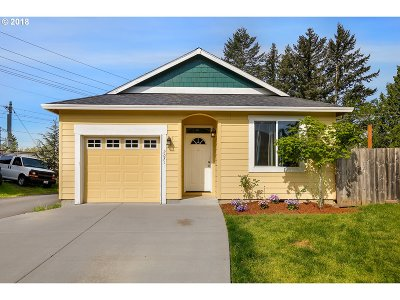 Gresham Single Family Home For Sale: 2071 NW Bella Vista Dr