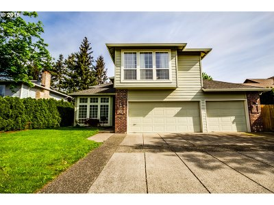 Troutdale Single Family Home For Sale: 737 SW 27th Way
