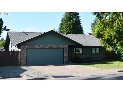 Single Family Home Sold: 27 Lynnbrook Dr