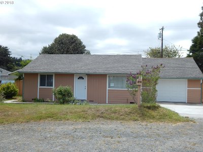 Coos Bay Single Family Home For Sale: 961 Salmon