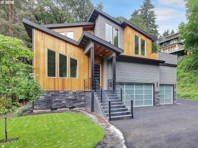 Lake Oswego Single Family Home For Sale: 13707 Fielding Rd