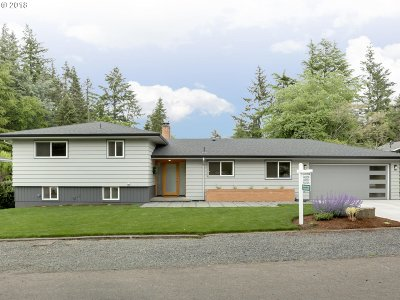 Portland Single Family Home For Sale: 7728 SW 49th Ave