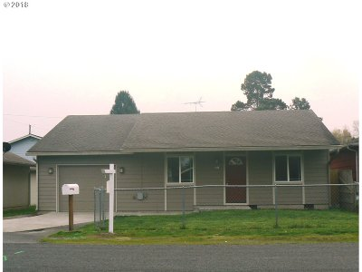 Cowlitz County Single Family Home For Sale: 90 Division St