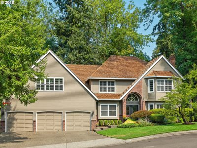 Lake Oswego Single Family Home For Sale: 13391 Streamside Ct