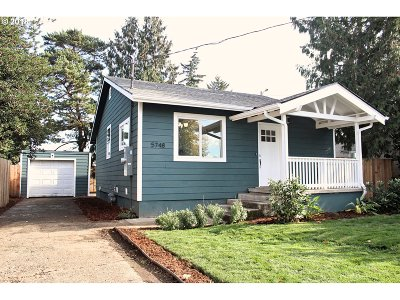 Portland Single Family Home For Sale: 5748 SE 87th Ave