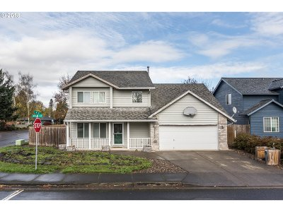 Scappoose Single Family Home For Sale: 33311 SW Adam Ct