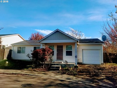 Gresham Single Family Home For Sale: 988 SW Junction Pl