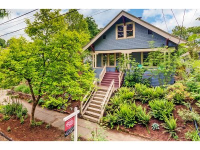 Portland Single Family Home For Sale: 3322 SE Brooklyn St