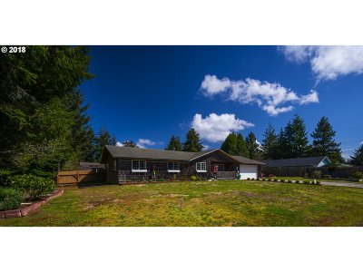 Bandon Single Family Home For Sale: 1167 SE 9th St