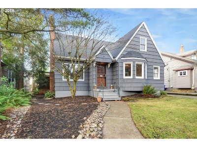 Portland Single Family Home For Sale: 3837 NE 35th Pl