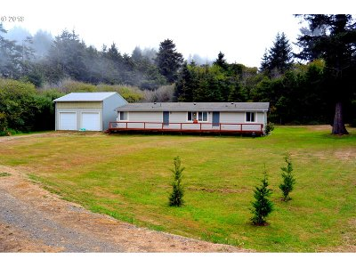 Gold Beach OR Single Family Home For Sale: $279,000